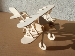 biplane from Wood jigsaw puzzle website