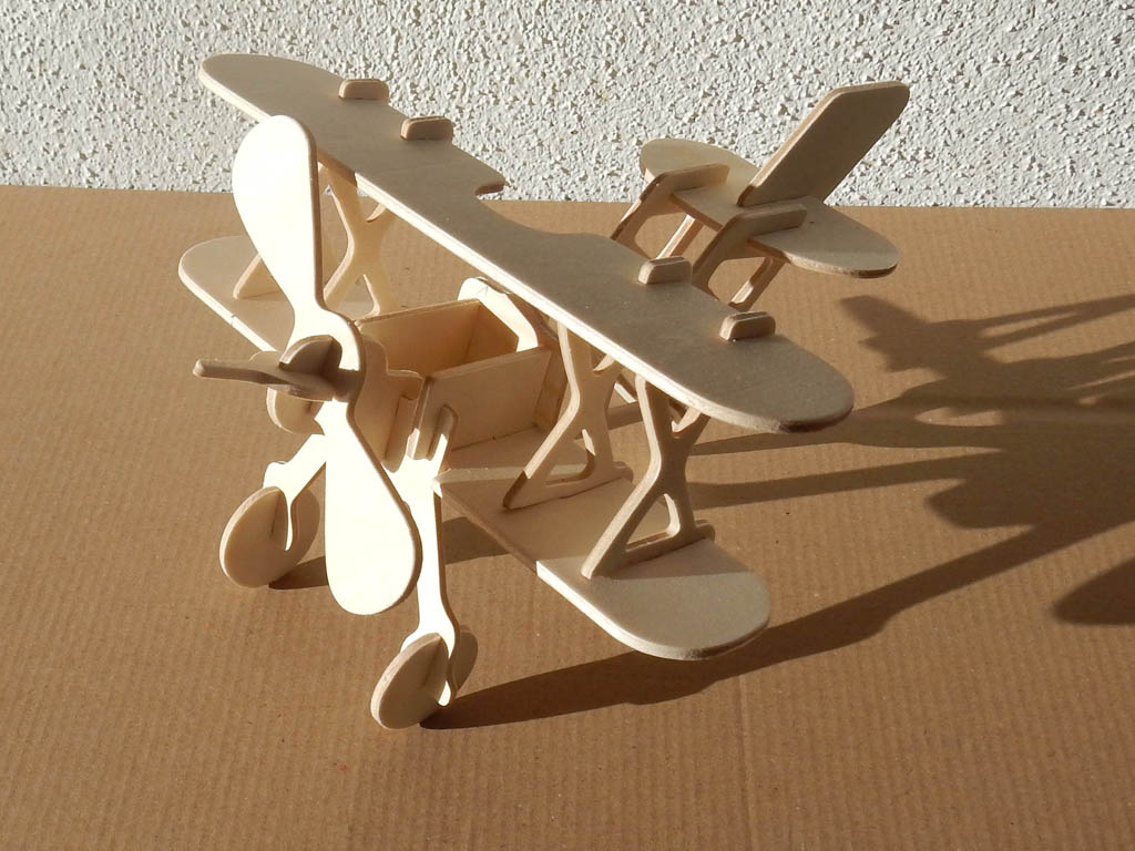 Wood jigsaw puzzle bi-plane 3d - Wood jigsaw puzzles and hobby cnc