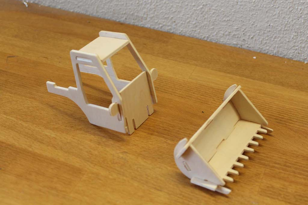cnc Plans and free dxf of my front end loader jigsaw puzzle - Wood